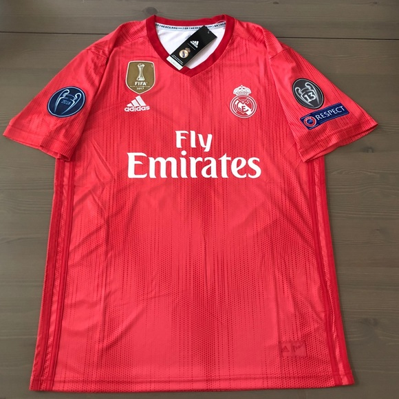 save off df1cb 6ad4d Real Madrid red Vinicius Jr. #28 Soccer jersey NWT